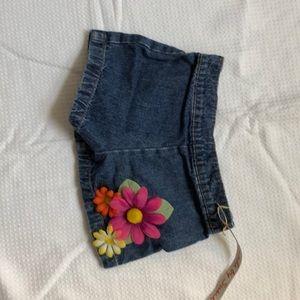 Decorated denim shorts